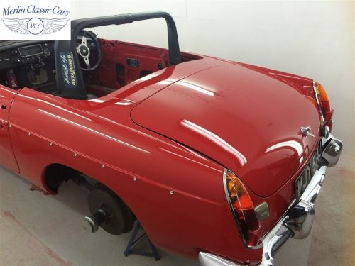 Paintwork Refinishing Example Refinishing 4 Buffed & Polished MGB Roadster 6